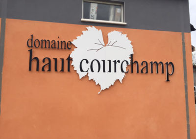 ENSEIGNE DECOUPEE DOMAINE HAUT COURCHAMP