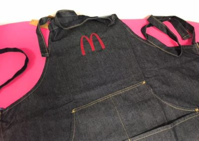broderie tablier jean denim mcdo